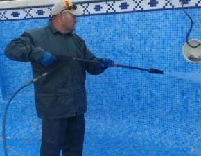 Limpieza de piscina para un óptimo uso y disfrute.